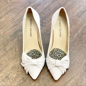 Shoes - AUDREY BROOKE EDNA TAUPE Size 7